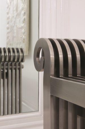 horizontaler design heizkörper edelstahl wohnzimmer wohnraum heizung sanata