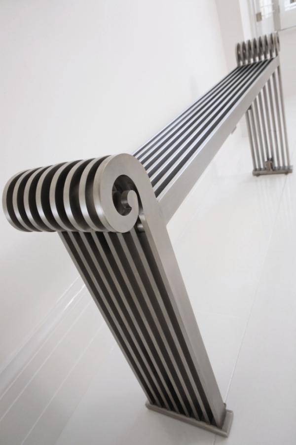 design heizkörper horizontal edelstahl wohnzimmer wohnraum heizung sanata