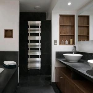 Edelstahl badezimmer design heizkörper esta bad heizung