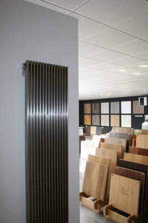 Edelstahl vertikaler design heizkörper talano küche wohnzimmer wohnraum heizung